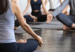 Chữa đau dạ dày bằng yoga
