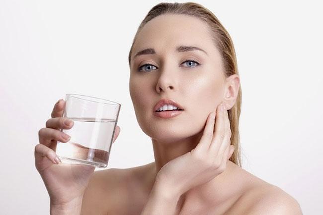 Bổ sung đủ nước tạo nên một cơ thể cân đối