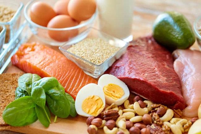 Giảm cân với chế độ ăn giảm tinh bột và tăng protein