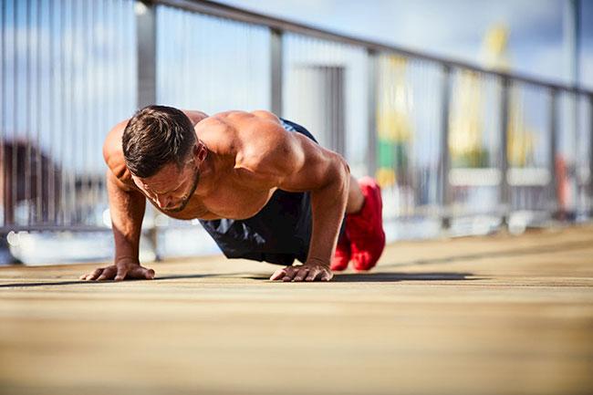 Tập luyện thể thao giúp tăng cường sinh lý nam giới