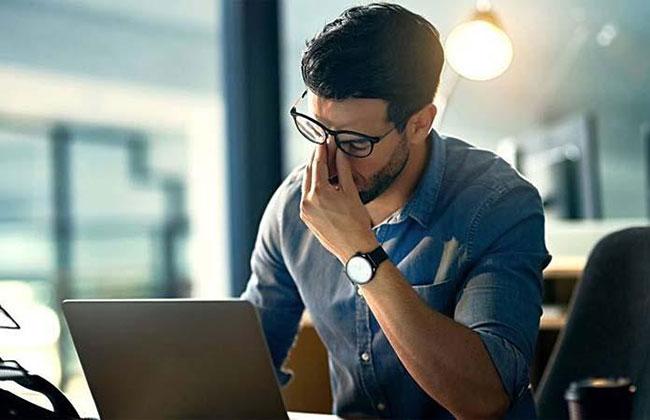 Thức khuya gây suy giảm sinh lý nam giới