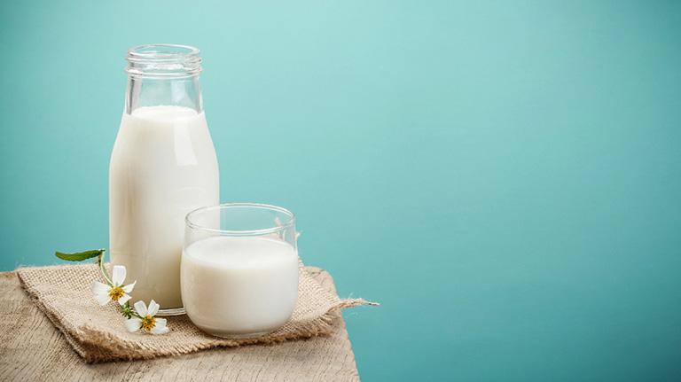 Bị bệnh gút uống được sữa không?
