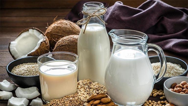 Bị bệnh gút uống được sữa không?v