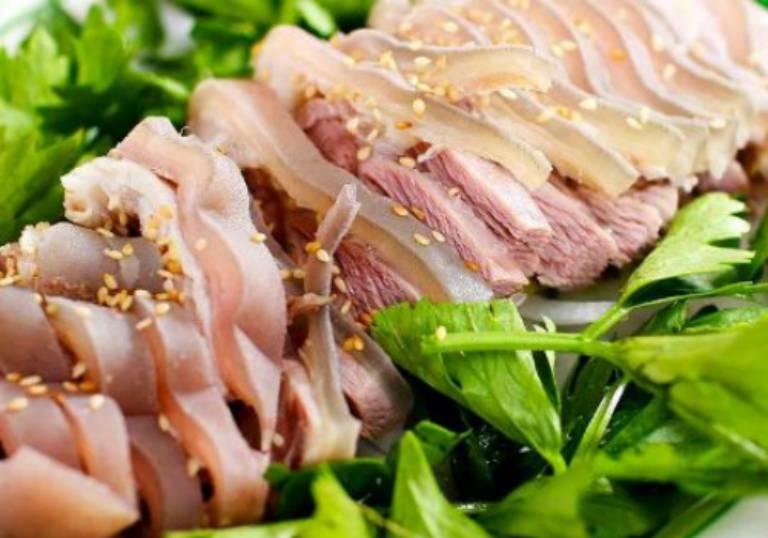 Thịt dê có tỉ lệ nhân purin cao khi ăn vào sẽ khiến thể trạng không thể ngăn ngừa được nồng độ a-xít uric trong máu
